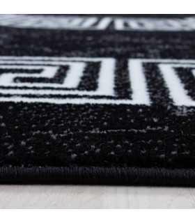 Modern desenli Halı Mermer görünümlü Ornament Bordür Siyah Beyaz